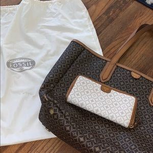 Brown Fossil bag with matching print white wallet